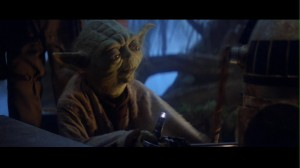 star_wars_the_empire_strikes_back_yoda_fighting_r2d2_for_lamp
